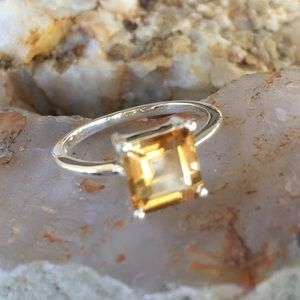 Jewelry - Genuine 2 carat citrine solid sterling ring